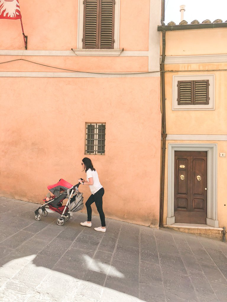 stroller in Montepulciano - Tuscany with kids