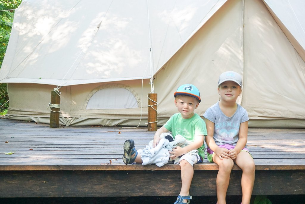 kids at Sassy Springs retreat -a fun family getaway from Nashville
