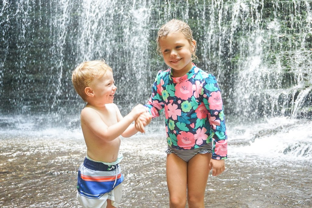 kids playing at Machine Falls in Tennessee near Nashville