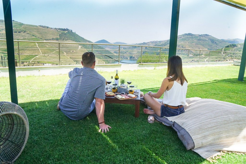 picnic overlooking the Douro River Valley