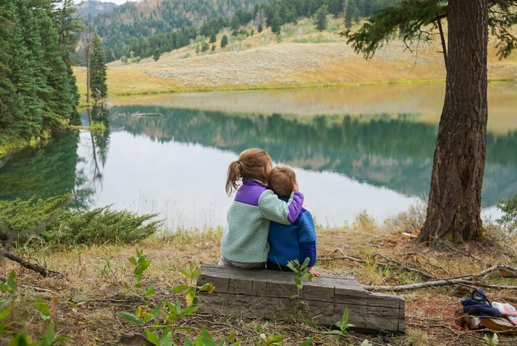 sibling hugs at Trout Lake